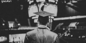 Konsultasi HR: Bolehkah Perusahaan Menahan Ijazah Karyawan?   Gadjian