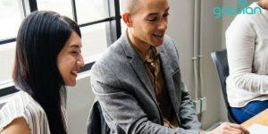 Aturan THR Karyawan Outsourcing Sesuai UU Ketenagakerjaan | Gadjian