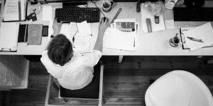 Kerja Lembur Saat Hari Raya, Perusahaan Harus Bayar Upah Lembur Sebesar Ini | Gadjian